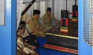 Bupati dan Wakil Bupati Purworejo, bersama Forkompinda serta sejumlah OPD melakukan ziarah ke makam para Bupati Purworejo terdahulu. (Wid)
