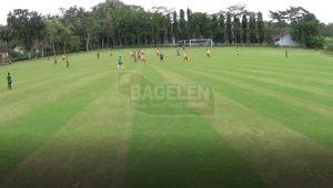 Lapangan sepak bola desa Geparang. (Wid)